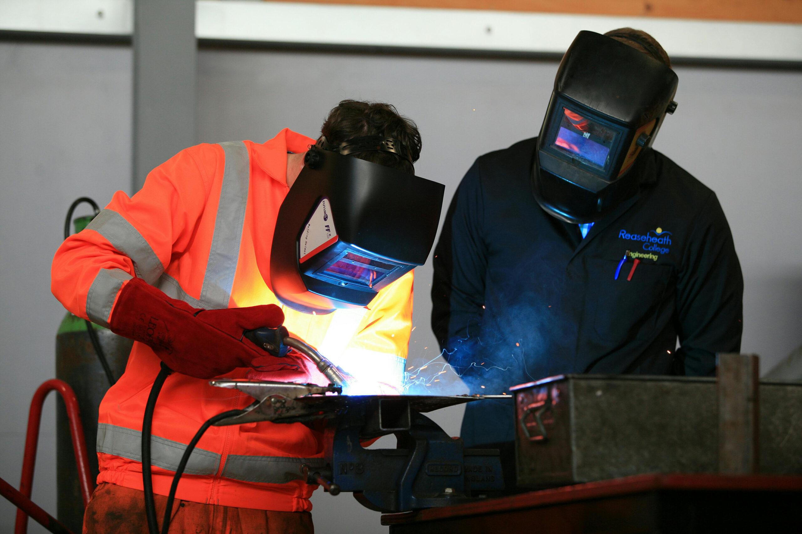 Cash bonus scheme for hiring apprentices is set to double to £3,000